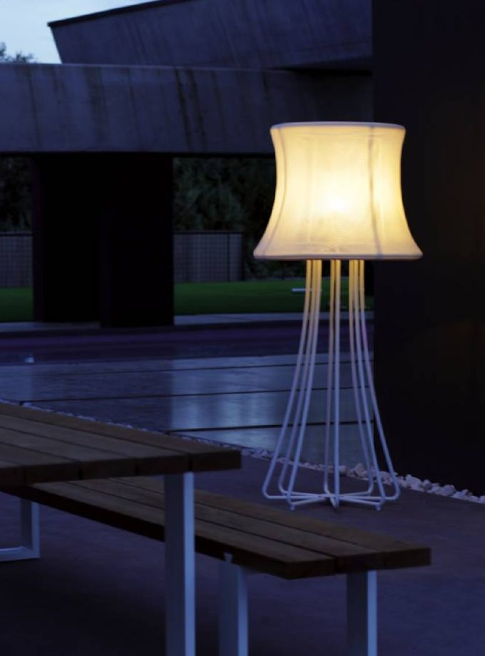 3D outdoor floor lamp by Royal Botania